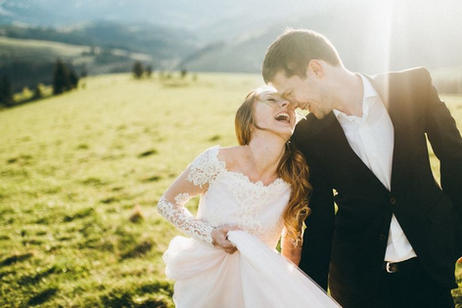 1509857494418-mountain-bride-and-groom.j