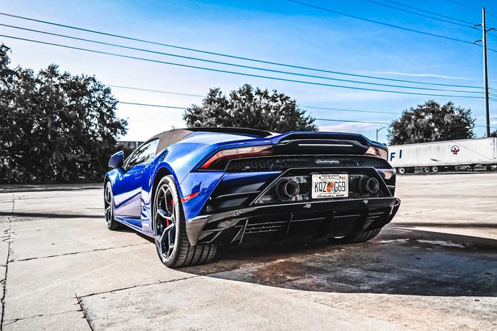 2020 Lamborghini Huracan EVO blue by Cop