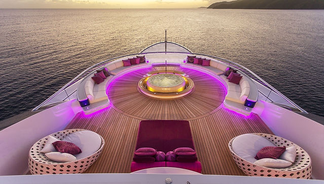 Motor yacht Solandge in the evening on a