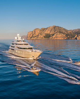 Superyacht Eminence with water toys.png