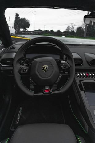 Lamborghini Huracan Evo Cockpit
