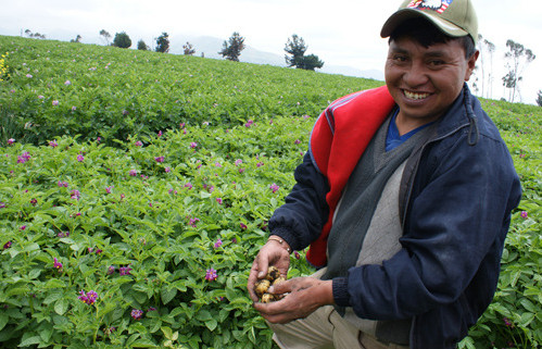 Ecuador-agricultores_edited.jpg