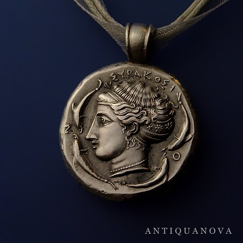 Arethusa / quadriga - Syracuse Tetradrachm silver coin pendant - custom made