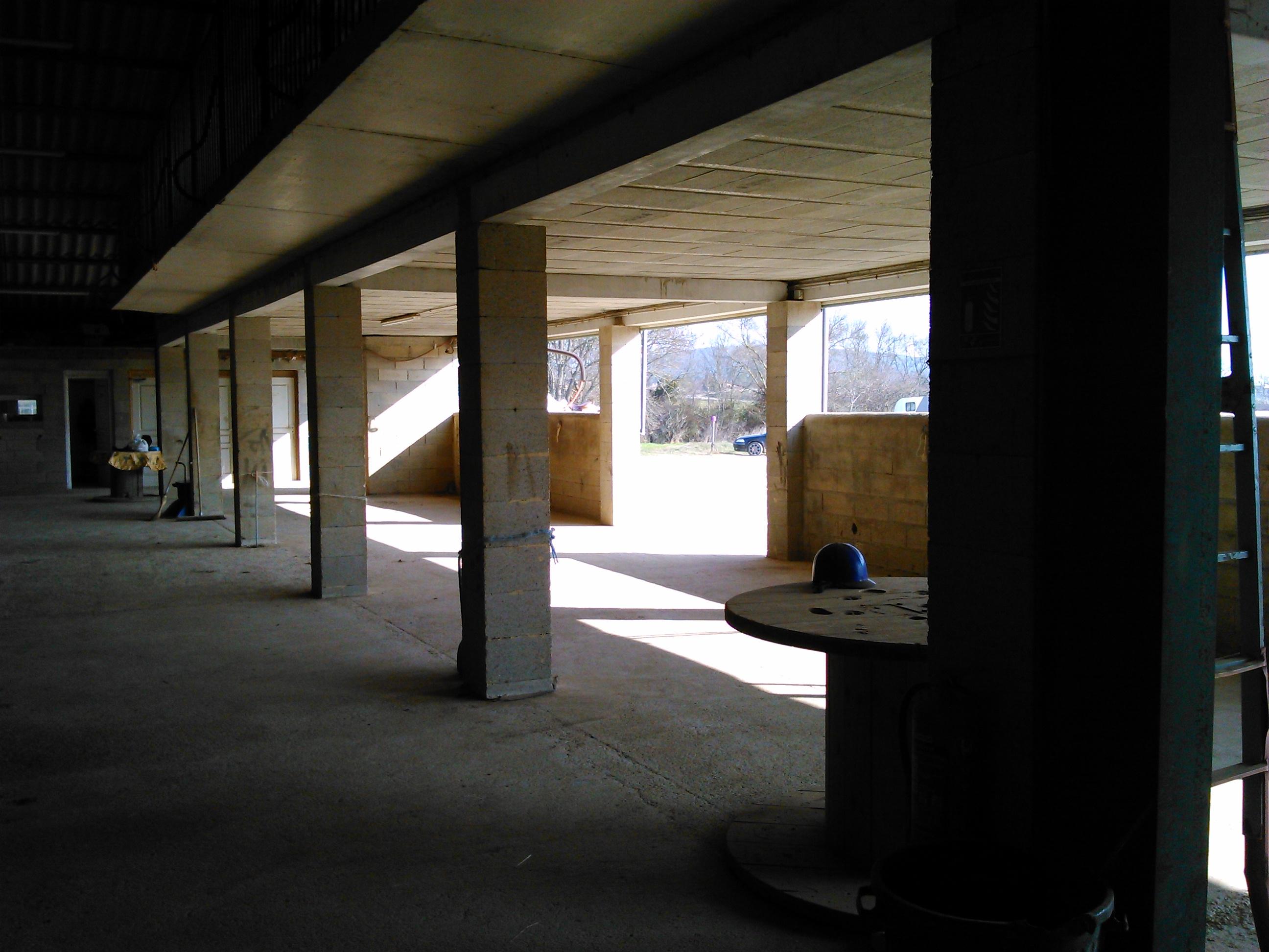 Vastes espaces d'attache intérieurs