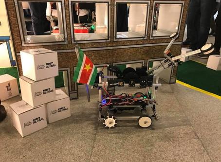 Suriname Robotics Team naar Mexico City voor FIRST Global Challenge