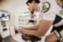 Laboratorio Aethos. Por medio del protocolo F.I.S.T se te estudiarán diferentes posiciones para tu bicicleta de Time Trial o Triathlon  mediante el Guru Fit System.