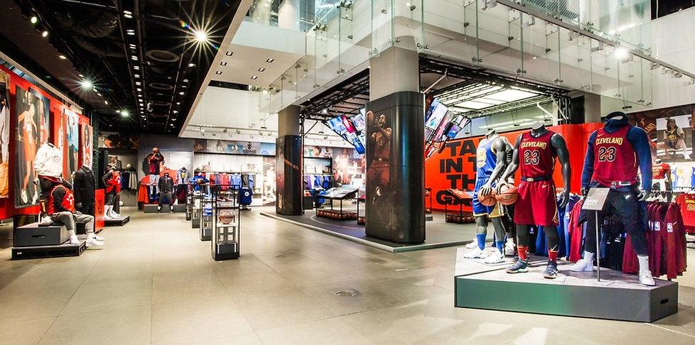 TDM_3156+-+Nike+-+NBA+Launch+-+NTL+-+Tom
