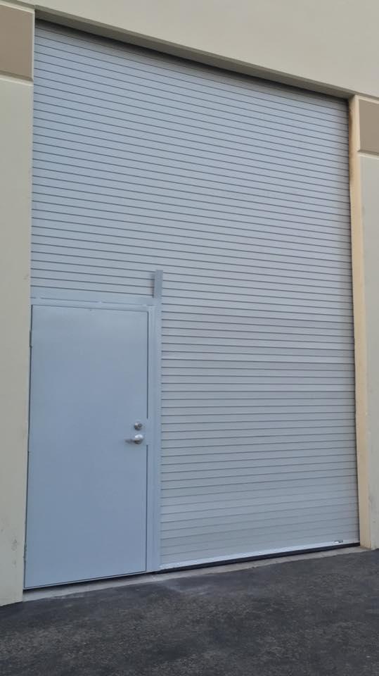 Porvene with Wicket Pass Door