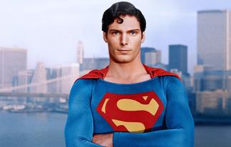 ¡SE SUBASTA EL TRAJE DE SUPERMAN DE REEVE Y EL BATITRAJE DE KEATON!
