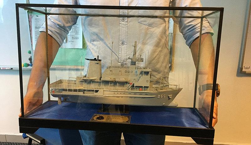 navy2L.jpg