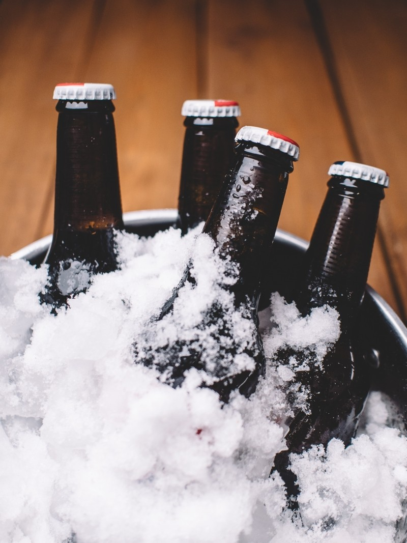 beer-bottles-in-ice