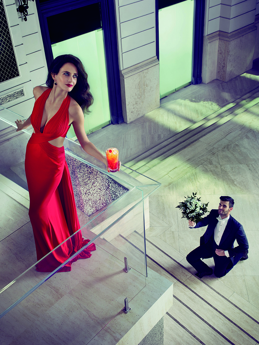 09 Campari Calendar 2015_Mithology Mixology_Eva Green_September_Campari Orange P