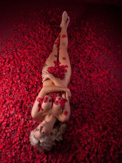 Aktfoto mit Rosen