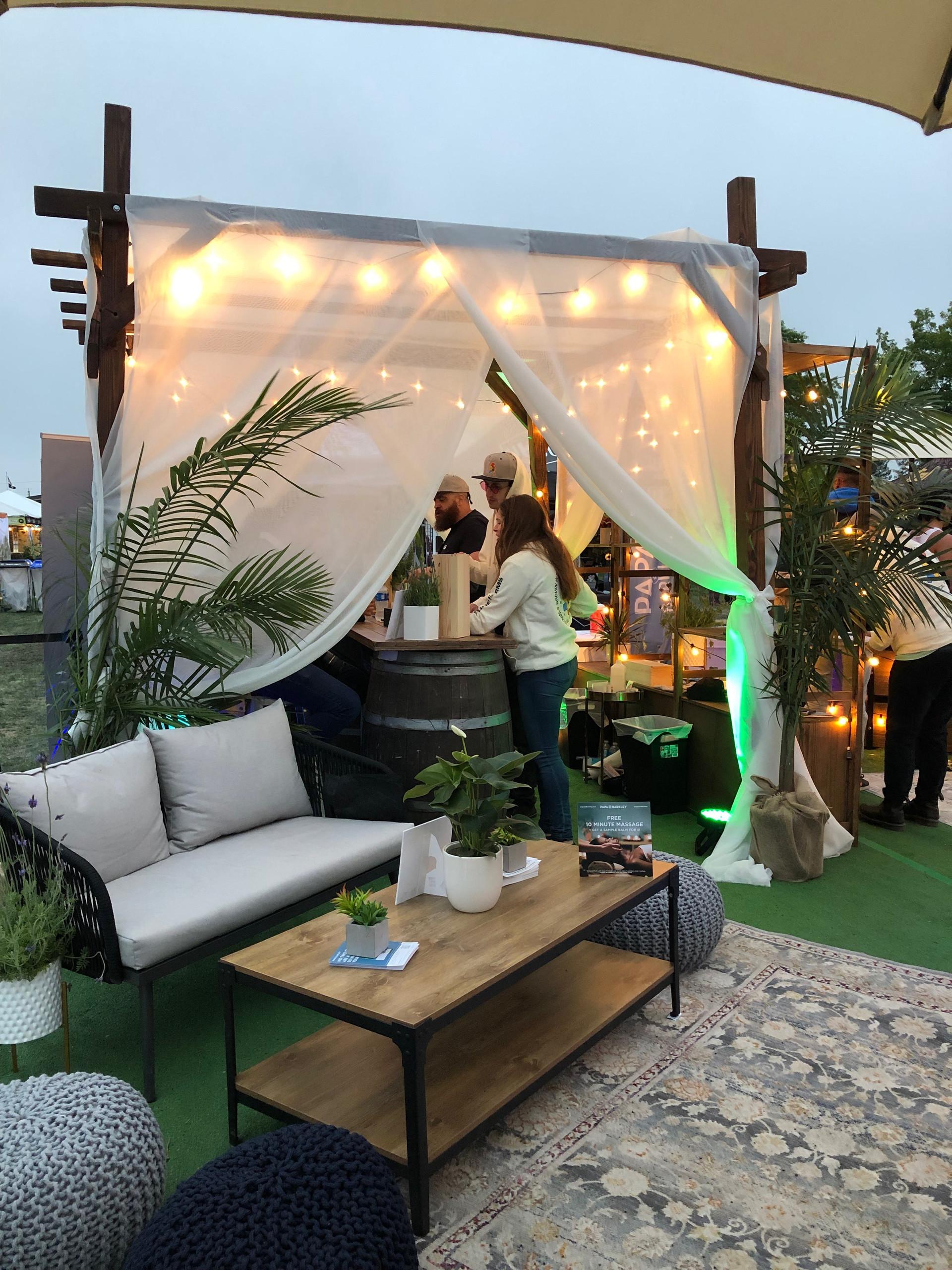 Papa & Barkely Lounge.JPG