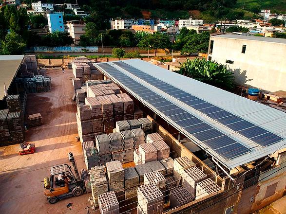 Fábrica de Blocos Paraíso_ 2 Energia Solar_Solux.jpg