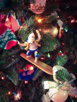 O Christmas Tree, O Christmas Tree:  Family-Fave Ornaments Bring It Home