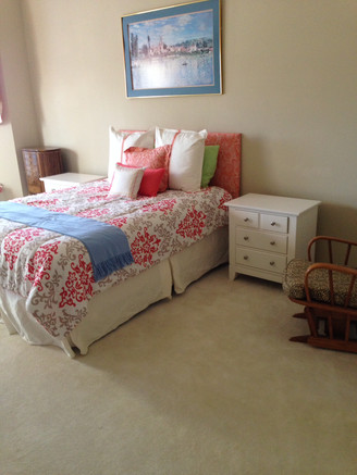 Five Inexpensive Ways To Freshen  Bedrooms For Your Holiday Guests