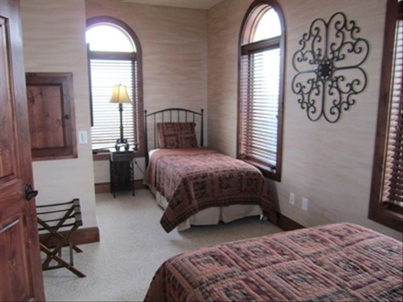 Lighthouse 3rd Floor Bedroom