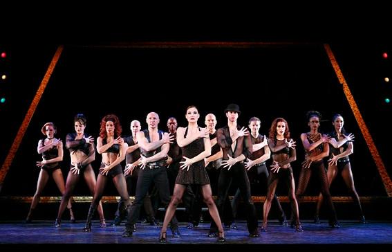 Chicago-Broadway-Cast.jpg