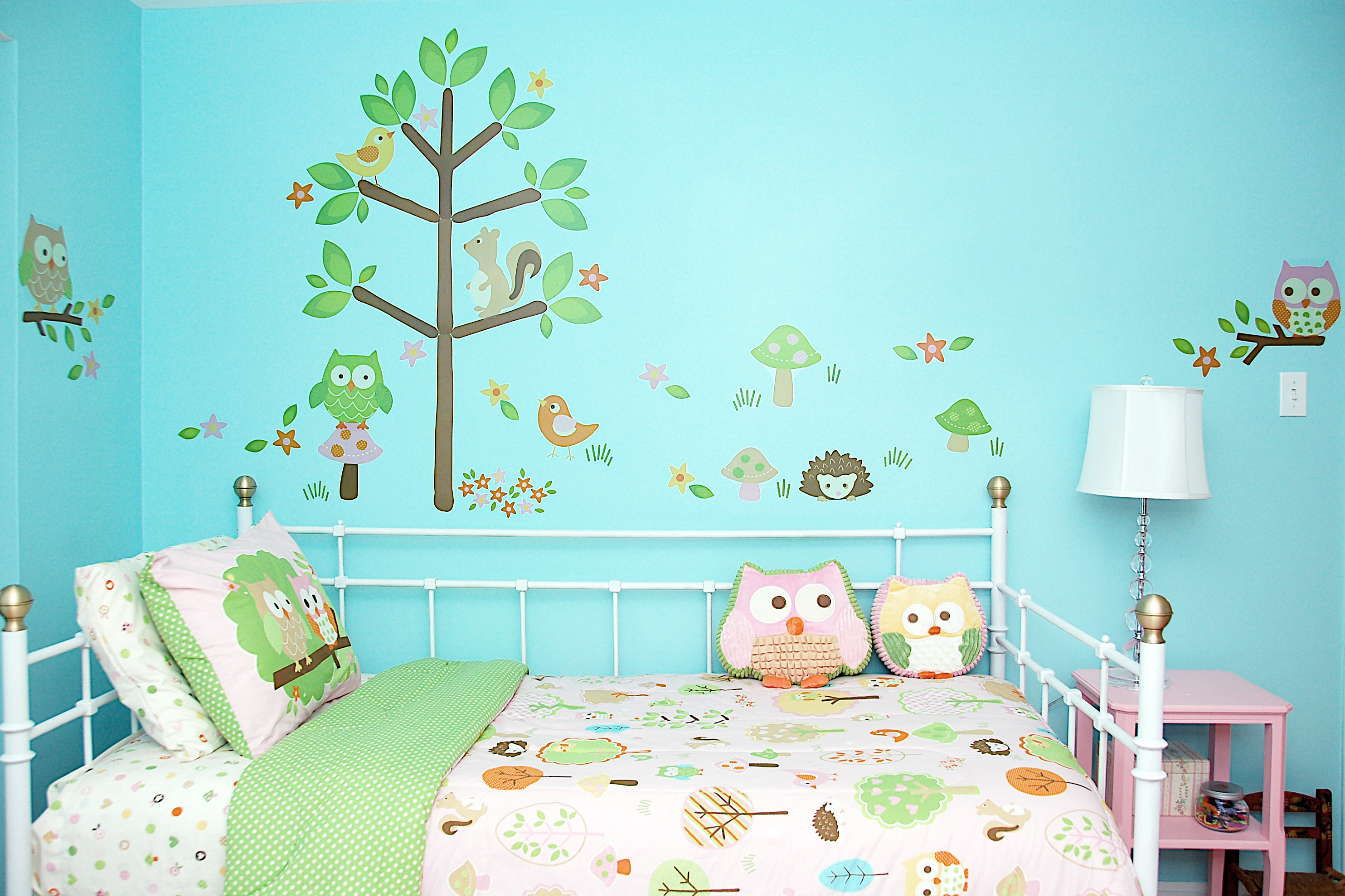 Tree-themed Bedroom