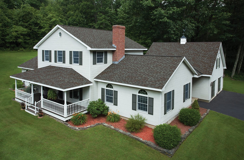 See how you can turn your roof replacement into a curb appeal opportunity and add an architectural accent to any style of home. Whether you need to match the classic style of a heritage home or add contemporary class to a modern one, IKO Cambridge architectural shingles make replacing your roof an exciting endeavor.