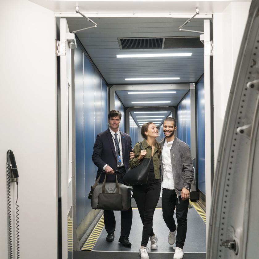 Chris Pronger, Lauren Pronger, Los Angeles, LAX, The Private Suite LAX