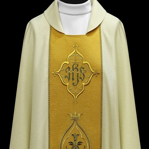 Elegant Modern Chasuble with Woven Gold Treat