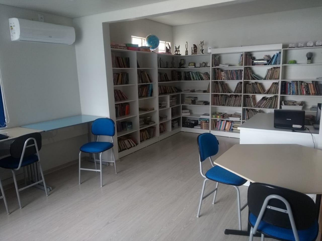 Biblioteca (2).jpeg