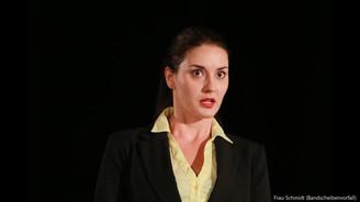 Daniela Mutafova als Frau Schmidt 2.mp4