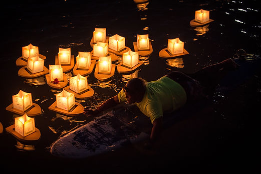 bulb-candle-candlelight-1275683.jpg