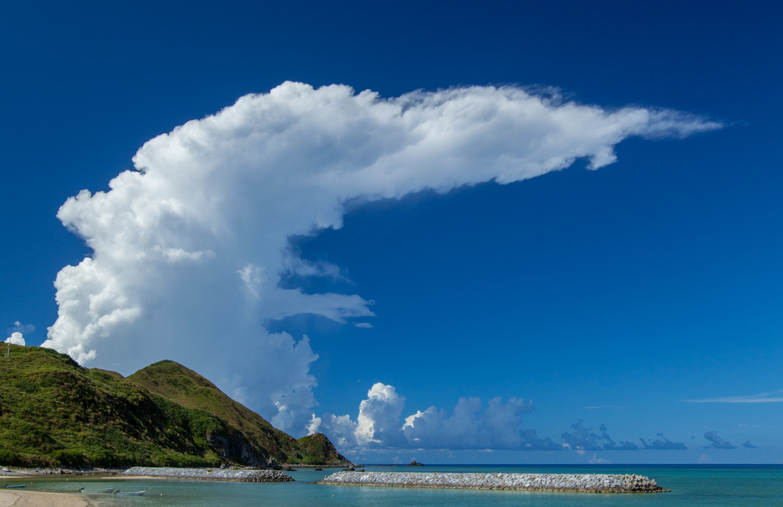 かなとこ雲(渡名喜島)