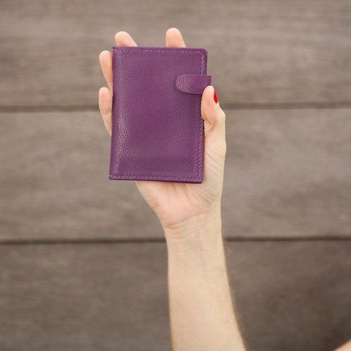 carteira pequena com fecho de ímã