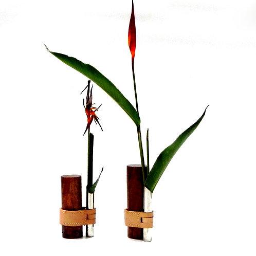 Vaso Solitário HAKI / Castiçal 27cm Ryasi Design