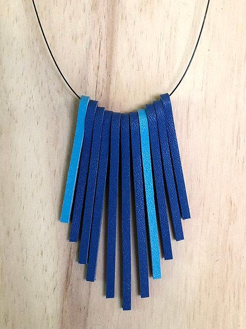 Colar Tiras de couro azul