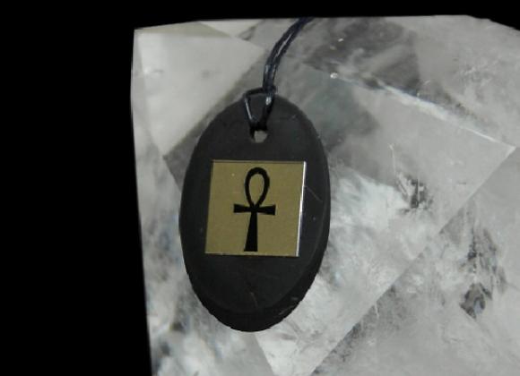 Pendentif shungite et croix égyptienne