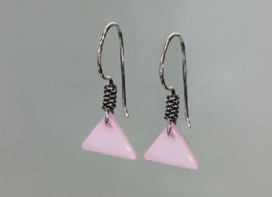 Boucles d'oreilles en nacre rose