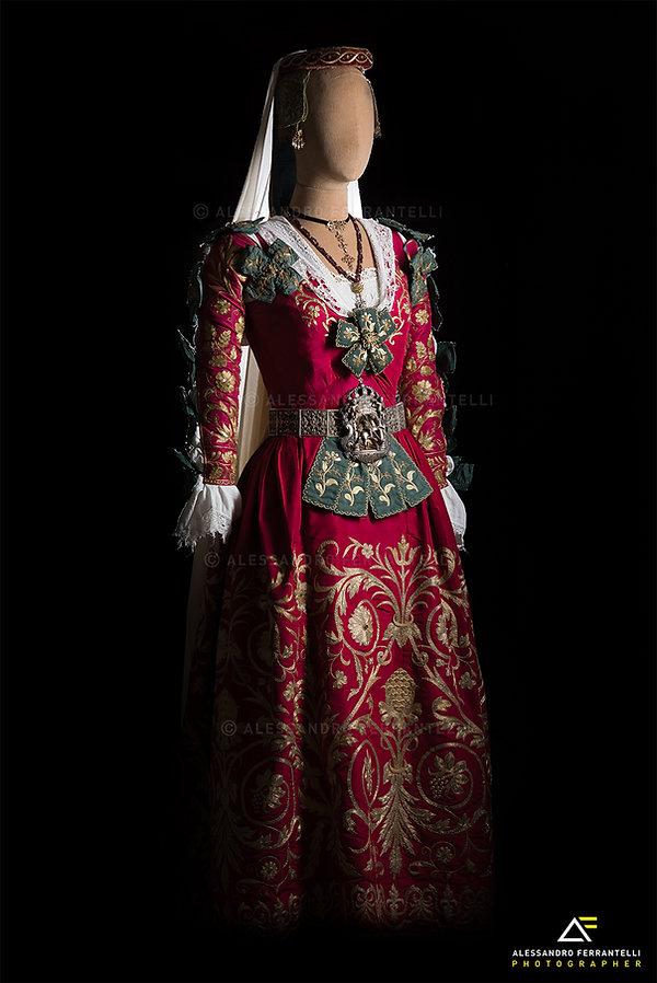 Costume_Piana_degli_Albanesi.jpg