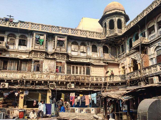 Old Delhi _#india #olddelhi #people #natgeo #spicemarket #worldpressphoto #delhi #architecture