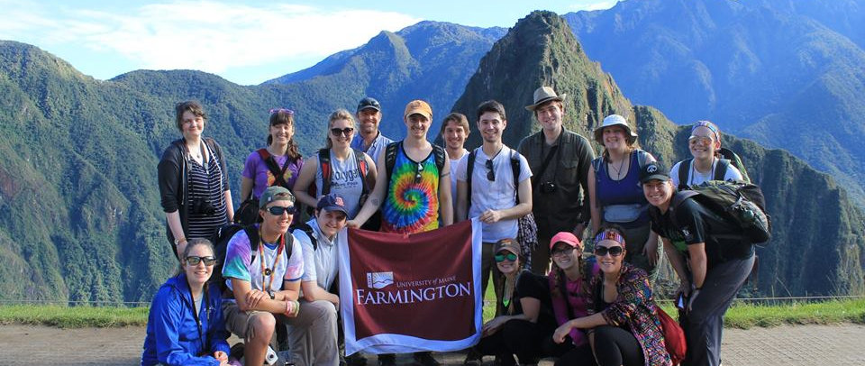 UMF students in front of Machu Pichu