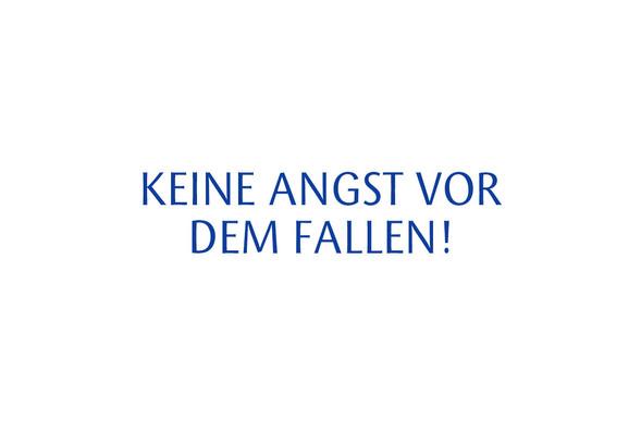 Kurse für Frauen, Selbstbehauptung und Selbstverteidigung für Frauen, Turmstraße, Nippes, Entspannt und stark,