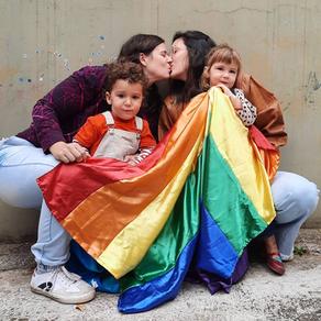 Alegrias e desafios da maternidade LGBTQIA+