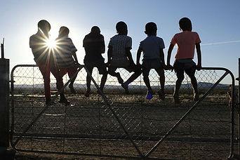 #MEDIAHUTCH_11_'SHUNTED'__Children_watch