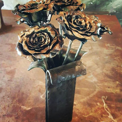 Finished this set of 6 roses and vase #n