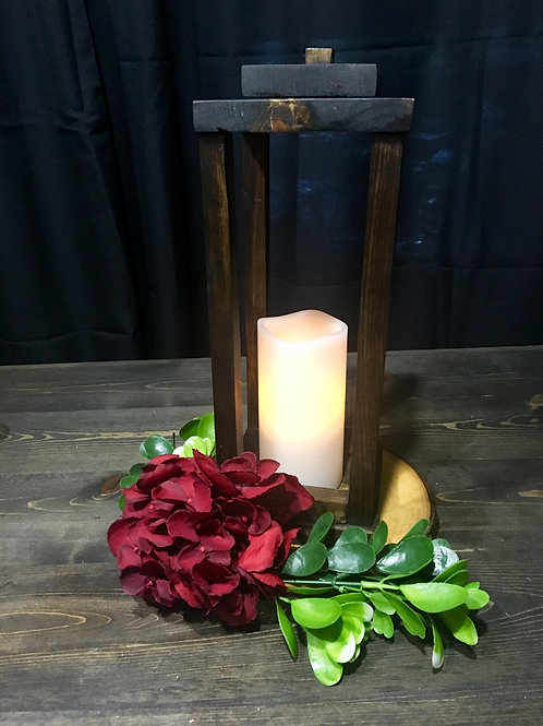 Rustic Lantern Aspen Floral & Greenery