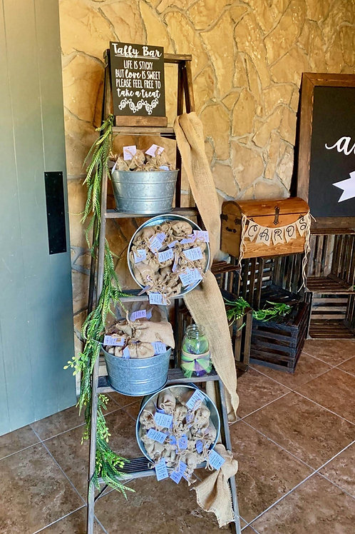 Favors Ladder with Burlap