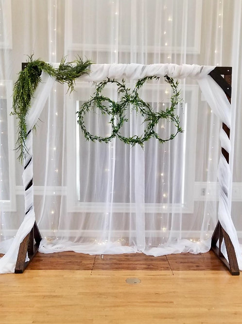 Timber Arch Sheer &Greenery Hoops