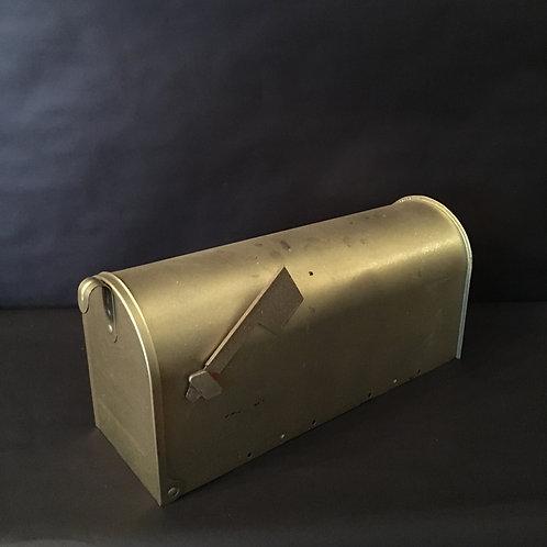 Gold Mail Box Card Holder