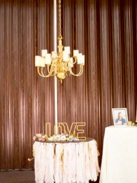 Hanging Chandelier w/Spool/Pole & LED Candles