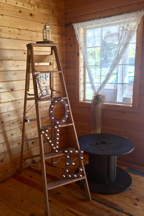 6 Ft Rustic Ladder
