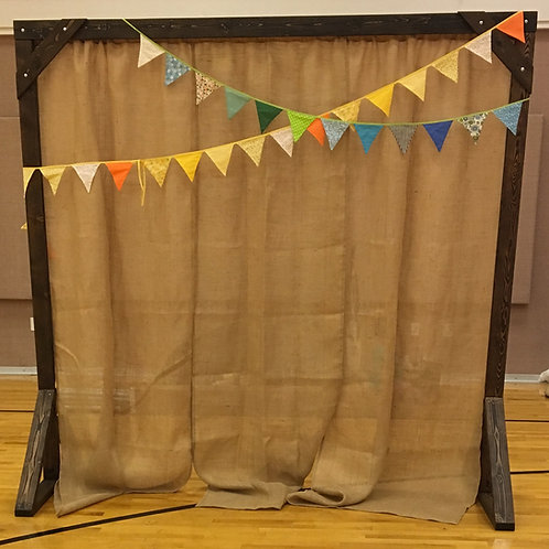 Arch w/Burlap Banners and Bunting